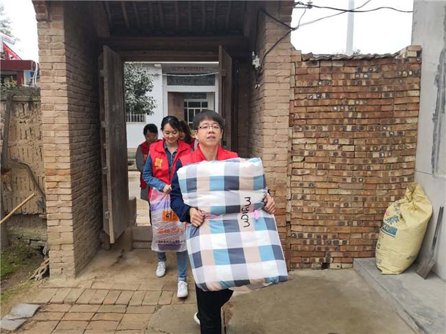 市能源公司赴仁安村 开展志愿者活动